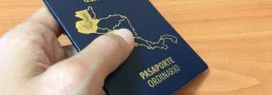 El Instituto de Migración habilitó la colocación de etiquetas para que guatemaltecos en EE. UU. puedan extender la vigencia de sus pasaportes ordinarios. (Foto HemerotecaPL)