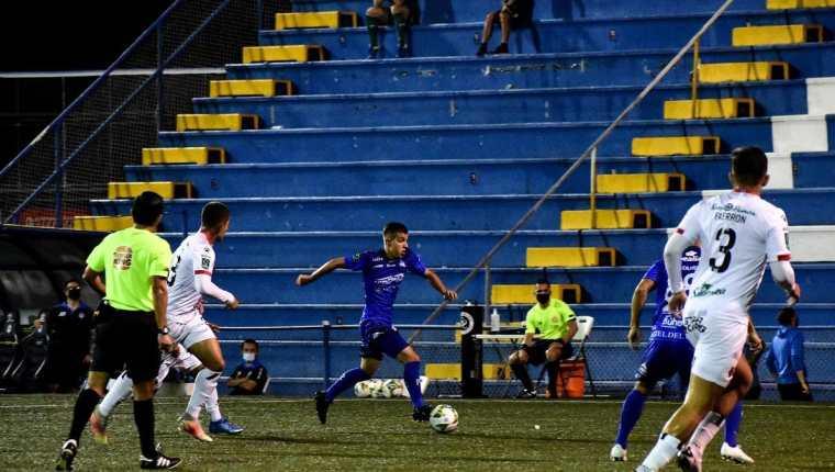 El equipo de Pérez Zeledón jugó en su estadio ante la Liga Deportiva Alajuelense. Le ganó 1-0 con un gol de último momento. Foto Facebook Pérez Zeledón.