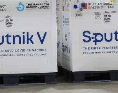 Rusia analiza comprar vacunas occidentales ante falta de aprobación de la Sputnik V, por la que Guatemala pagó US$80 millones