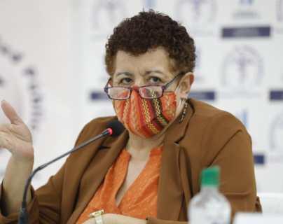 """Diputados denuncian a exministra de Salud, Amelia Flores, por """"permitir"""" que Rusia incumpliera contrato de vacunas Sputnik V"""
