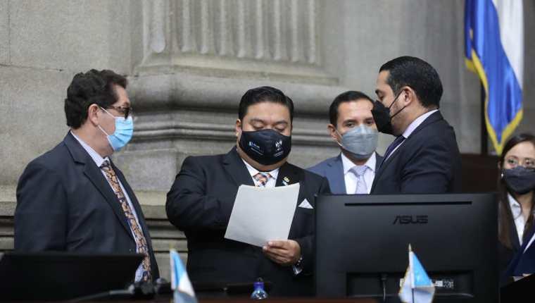 El presidente del Congreso, Allan Rodríguez, convocó el pasado fin de semana a los Jefes de Bloque del Congreso para afinar la propuesta legal. Fotografía: Congreso.