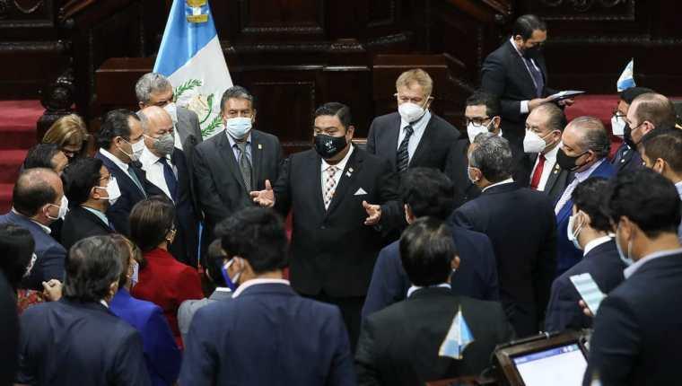 El bloque oficial fue la bancada que no estuvo del todo de acuerdo con las enmiendas de curul que recibió la ley de emergencia nacional contra la pandemia. Fotografía: Congreso.