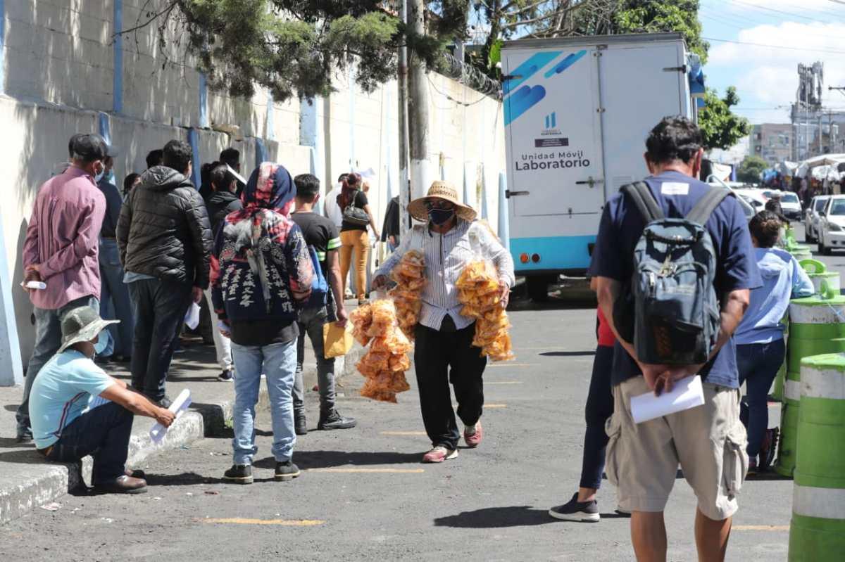 Guatemala se acerca a los 13 mil fallecidos por coronavirus y estos fueron los tres momentos en que hubo más muertes