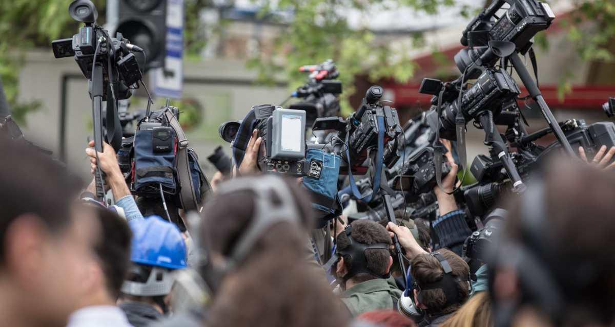 Asociaciones de medios hacen llamado para defender el valor del periodismo digital ante las grandes plataformas