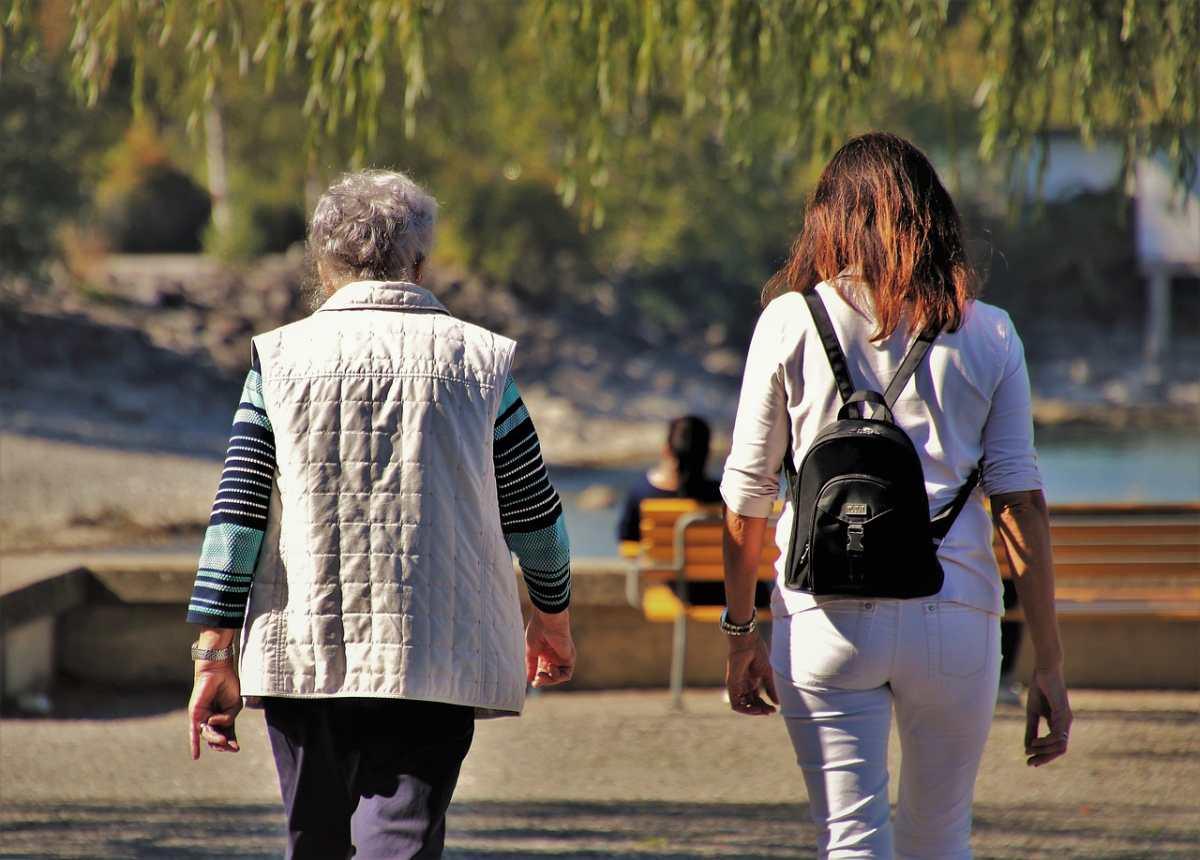 7 consejos para cuidar adecuadamente a adultos mayores en casa
