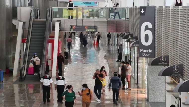Vista de una de las terminales del Aeropuerto Internacional de la Ciudad de México (AICM). (Foto Prensa Libre: Captura de video AICM)