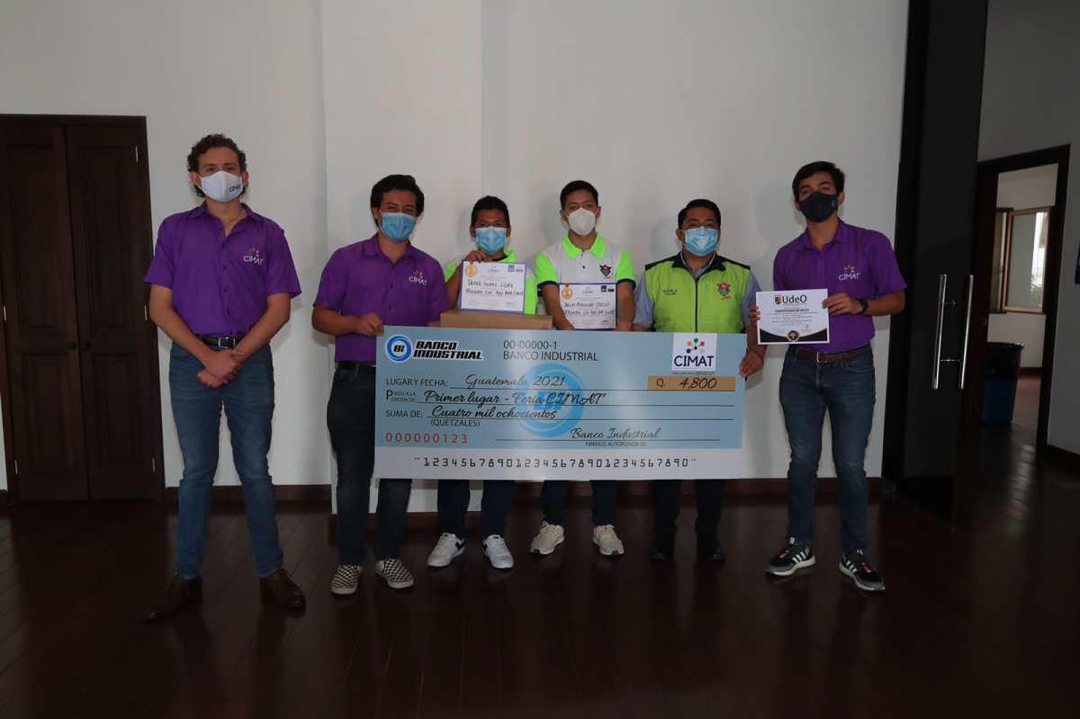 Adolescentes guatemaltecos crean soluciones para detener propagación de covid-19, disminuir contaminación, facilitar las matemáticas y la expresión creativa