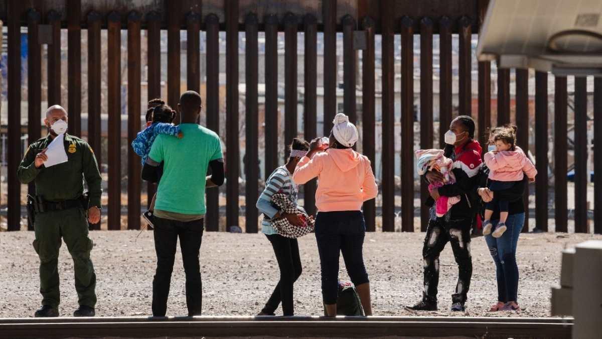 EE. UU. apela a la orden de un juez que prohíbe expulsar a familias migrantes bajo el argumento del coronavirus