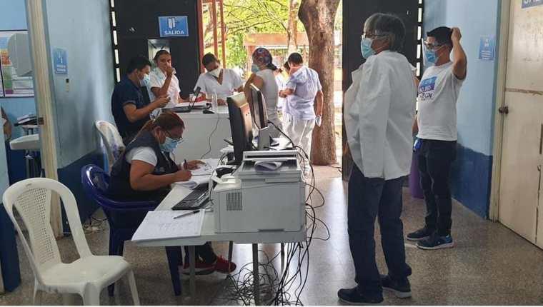 El Hospital de Zacapa ya no recibe pacientes con coronavirus, porque ya están colapsados. (Foto Prensa Libre: Cortesía)