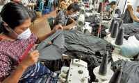 La Fabricas de Textiles, ubicadas en San Pedro Sacatepequez,  es donde se emplea mas  mujeres que hombres , en este lugar se confeccionan  ropa para su exportaciÛn (maquila). Fotografia Esbin Garcia