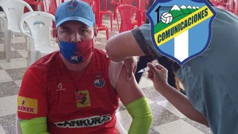 Ni la vacunación contra el coronavirus escapó al clásico nacional. (Foto Prensa Libre: Twitter)