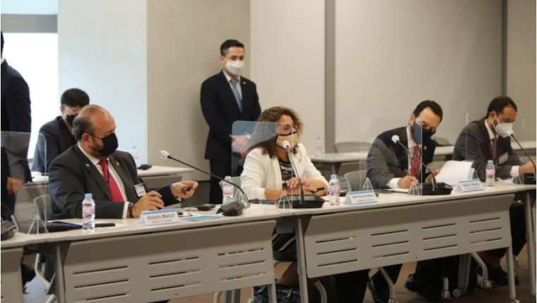 Funcionarios del Mineco acompañados de empresarios y exportadores forman parte de la delegación que se encuentra en Corea del Sur para retomar las negociaciones del TLC para Guatemala. (Foto Prensa Libre: Cortesía)