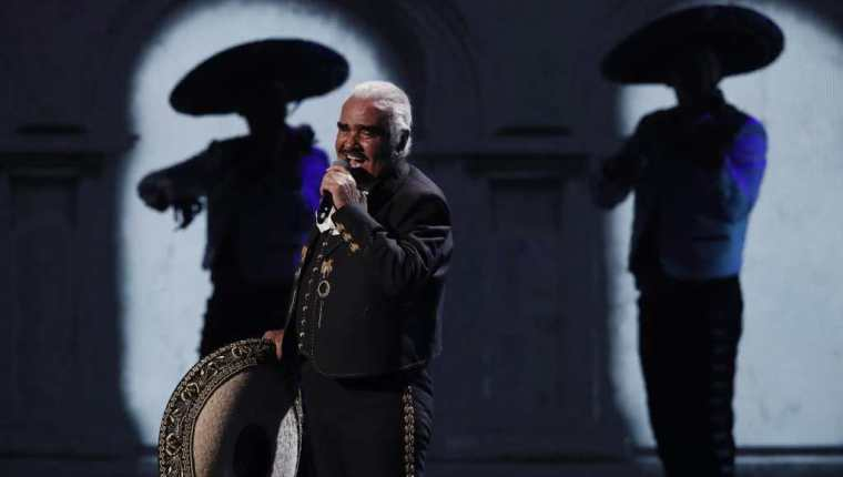 Vicente Fernández fue una pieza clave para que Pedro Fernández alcanzara la fama. (Foto: EFE)