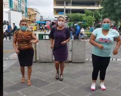 Yanira Berríos: la salvadoreña que arrasó en TikTok por su peculiar forma de bailar y perdió su cuenta que tenía miles de seguidores
