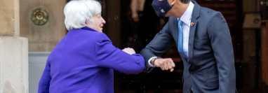 La secretaria del Tesoro de EE.UU., Janet Yellen, y el ministro de Hacienda de Reino Unido, Rishi Sunak. (GETTY IMAGES)