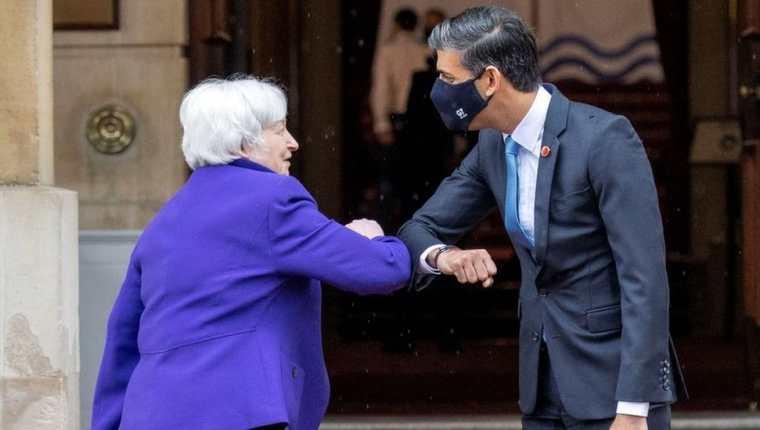 La secretaria del Tesoro de Estados Unidos, Janet Yellen, y el ministro de Hacienda del Reino Unido, Rishi Sunak.  (IMÁGENES FALSAS)
