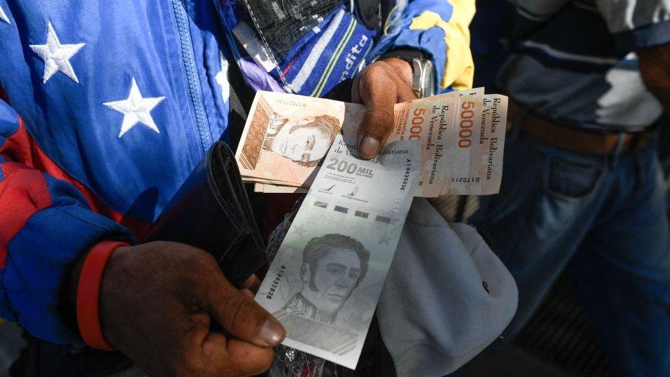 Venezuela le quita 6 ceros a su moneda y el bolívar soberano se convierte en bolívar digital