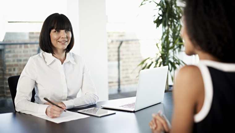 ¿En qué etapa de la postulación solicita a la empresa el salario correspondiente al puesto al que ha postulado?