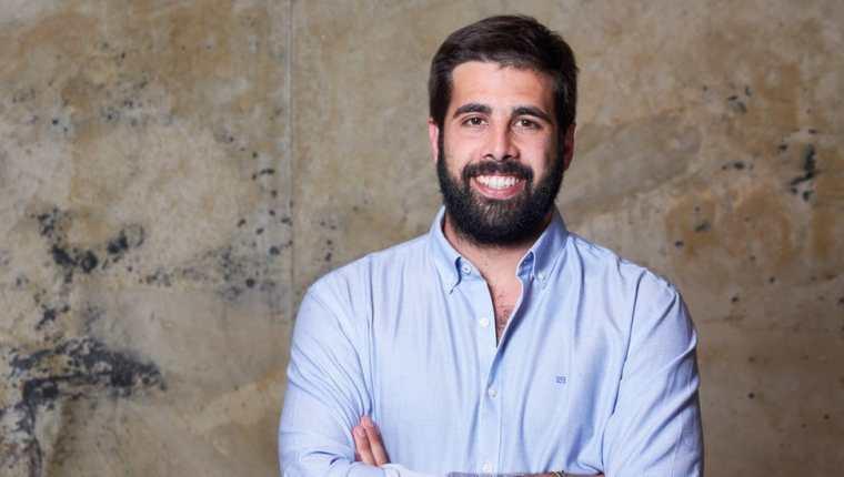 El psicólogo español Marc Masip trabaja con jóvenes para educarlos sobre un buen uso de la tecnología y evitar desarrollar adicciones. Marc Masip
