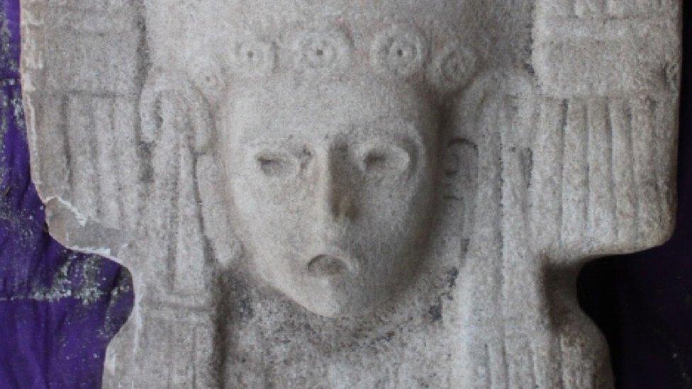 """La """"joven de Amajac"""" que reemplazará la histórica estatua de Colón en Ciudad de México"""