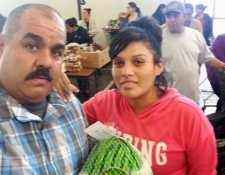 Manny Flores cambió el rumbo de su vida tras salir en prisión y ahora es director ejecutivo de una organización que asiste a miles de desamparados en el condado de Los Ángeles, California.