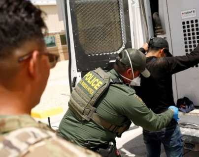 Estados Unidos registra la cifra de detenciones de inmigrantes más alta jamás registrada en la frontera con México