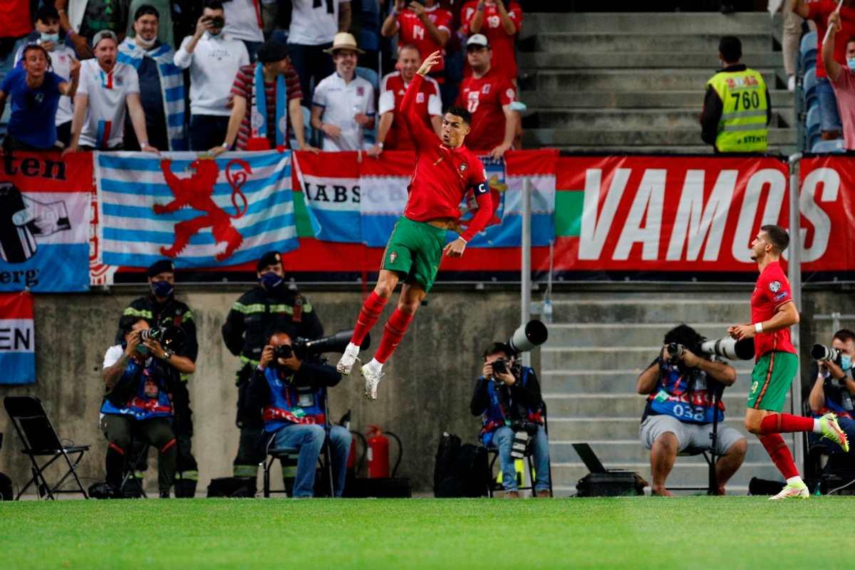 ¡Hat-trick de Cristiano Ronaldo! Goleada de Portugal, que se encamina hacia Qatar 2022