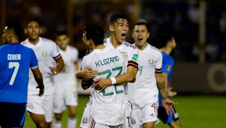 Héctor Moreno celebra el gol anotado ante El Salvador, durante su juego de octogonal por las eliminatorias al mundial Qatar 2022, este miércoles 13 de octubre en el Estadio Cuscatlán en San Salvador. Foto Prensa Libre: EFE.