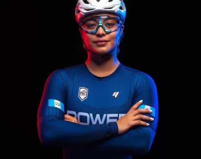 Nicole Hacohen sonríe en el Mundial de pista que se lleva a cabo en Francia