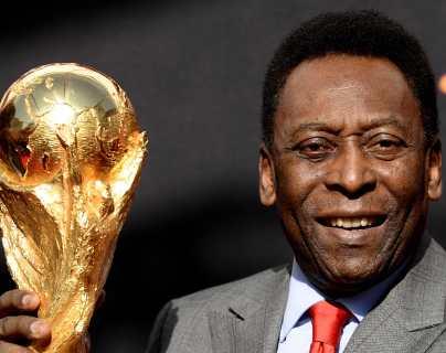 Pelé celebra animado sus 81 años y Santos le rinde homenaje