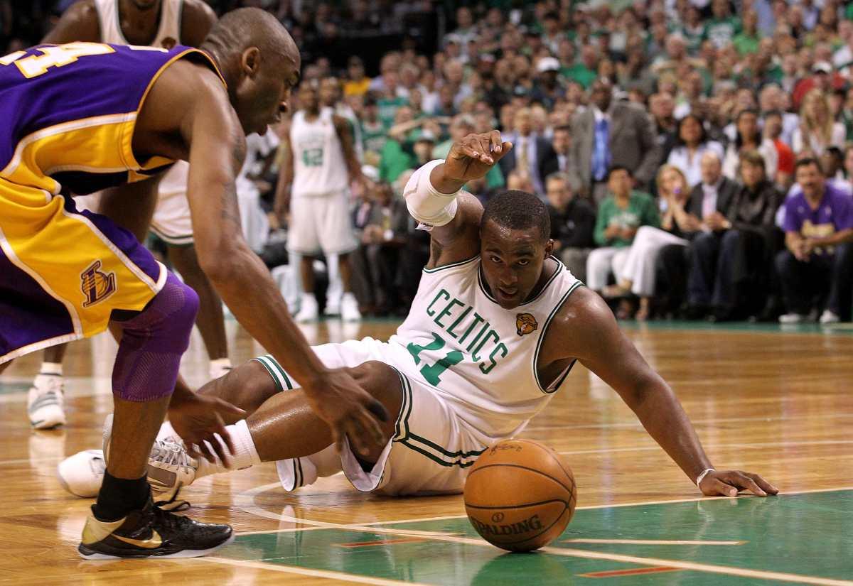 Arrestan a 18 exjugadores de la NBA; los sindican de defraudar al seguro médico por más de US$4 millones