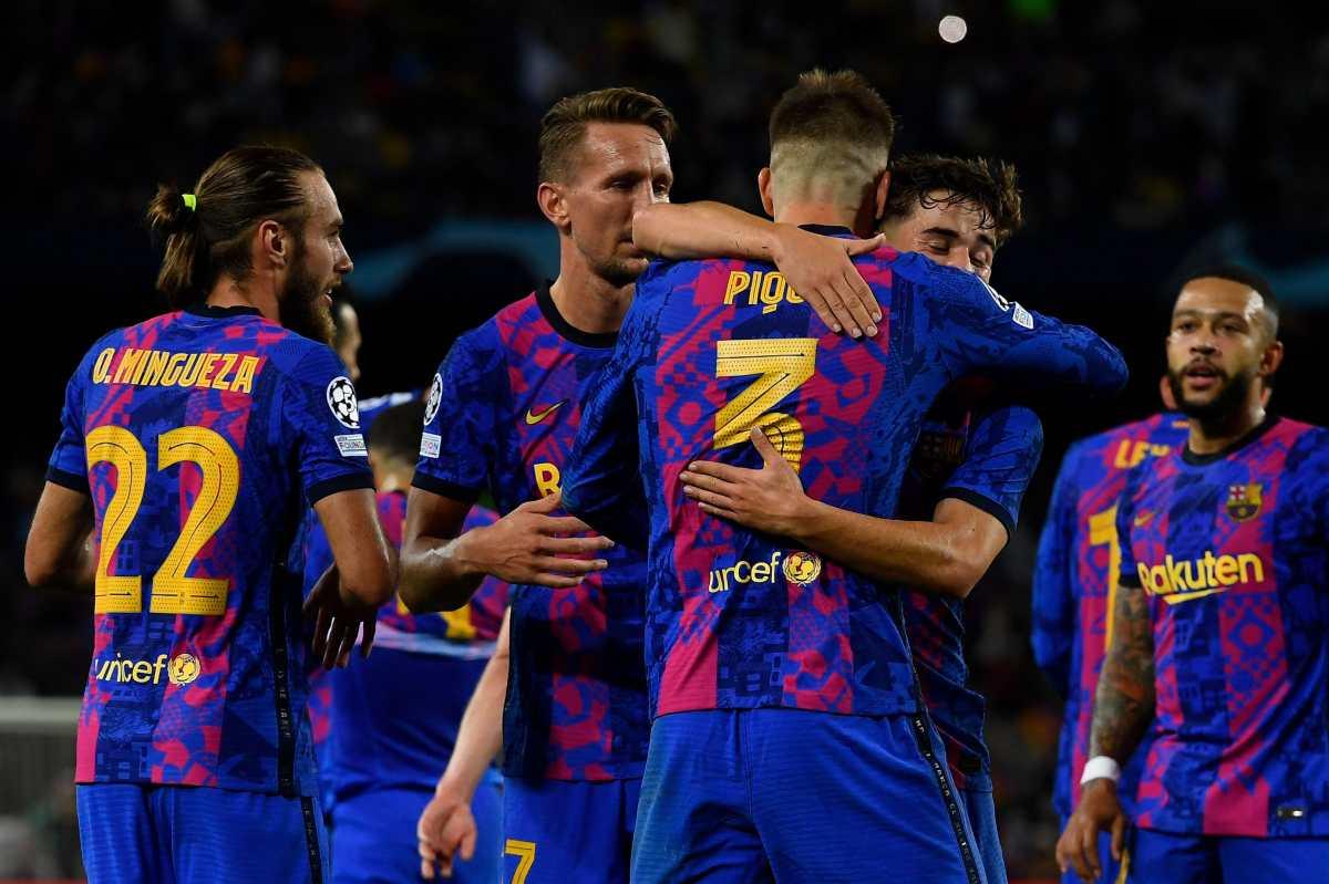 Piqué mantiene vivo al Barcelona en la Champions