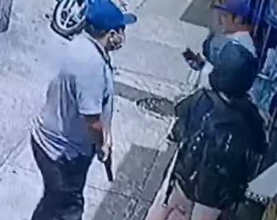 Asalto a dos personas en la zona 11 queda registrado en video y muestra forma de operar de los delincuentes