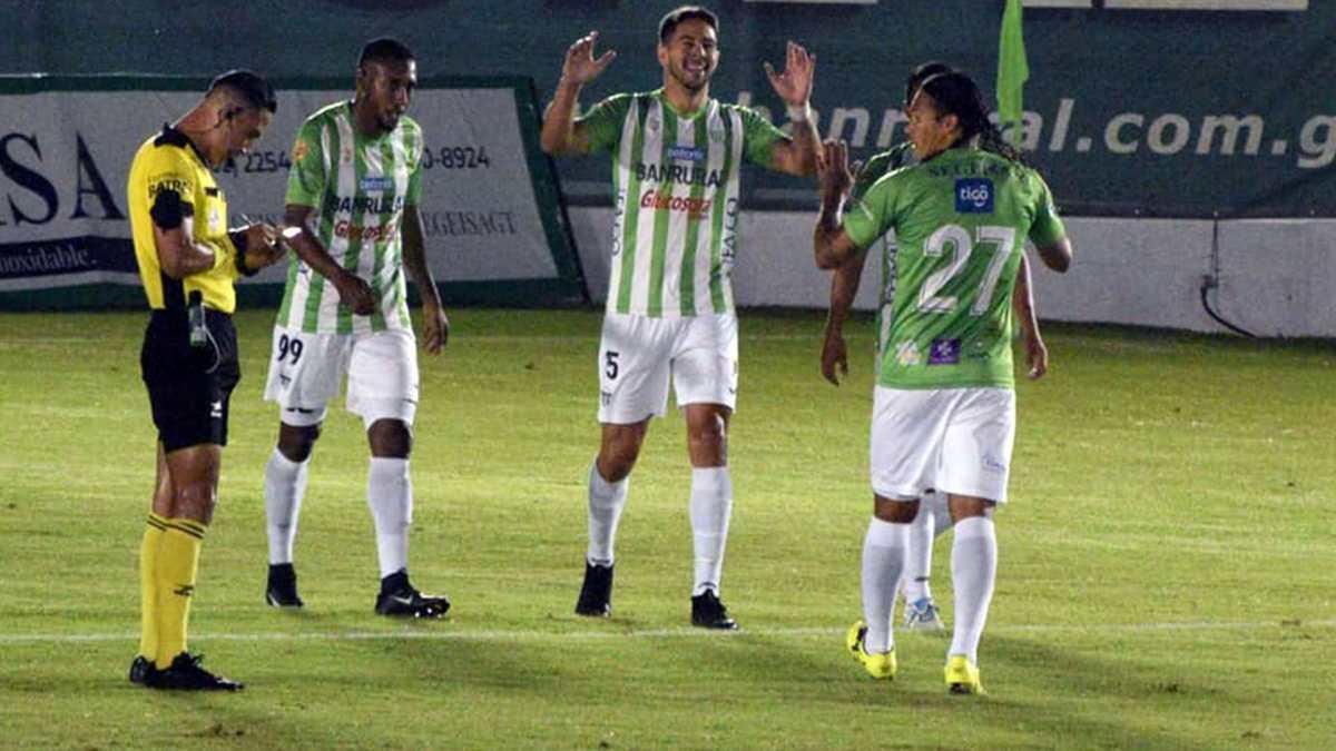 El líder Antigua se impuso goleando 4-0 a Sololá y es el único puntero del Apertura 2021