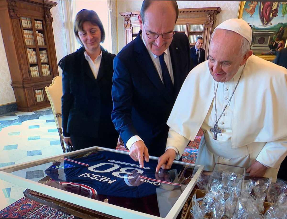 Leo Messi le envía un regalo especial al papa Francisco