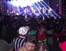 En Quiché han sido recurrentes las fiestas masivas en medio de las prohibiciones por el covid-19. (Foto Prensa Libre: Héctor Cordero)