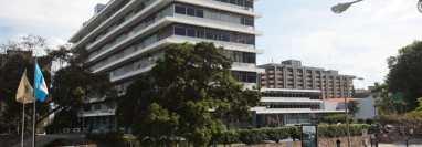 El IGSS no aceptó el nombramiento de los directivos electos por el Colegio de Médicos aduciendo que sus nombramientos fueron enviados fuera de plazo. (Foto Prensa Libre: Hemeroteca PL)
