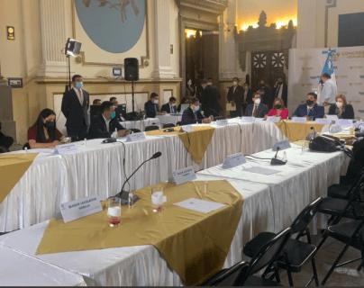 Junta Directiva del Congreso está en manos de 15 votos indecisos y en medio de nuevas alianzas