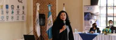 Blanca Alfaro, magistrada del TSE instó a alcaldes de Quiché a reelegirse en la próxima contienda electoral. (Foto Prensa Libre: Héctor Cordero)