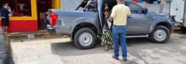 Dos niñas, menores de edad, víctimas de posible maltrato físico y psicológico, fueron rescatadas por la Procuraduría General de la Nación en Alta Verapaz. (Foto Prensa Libre)