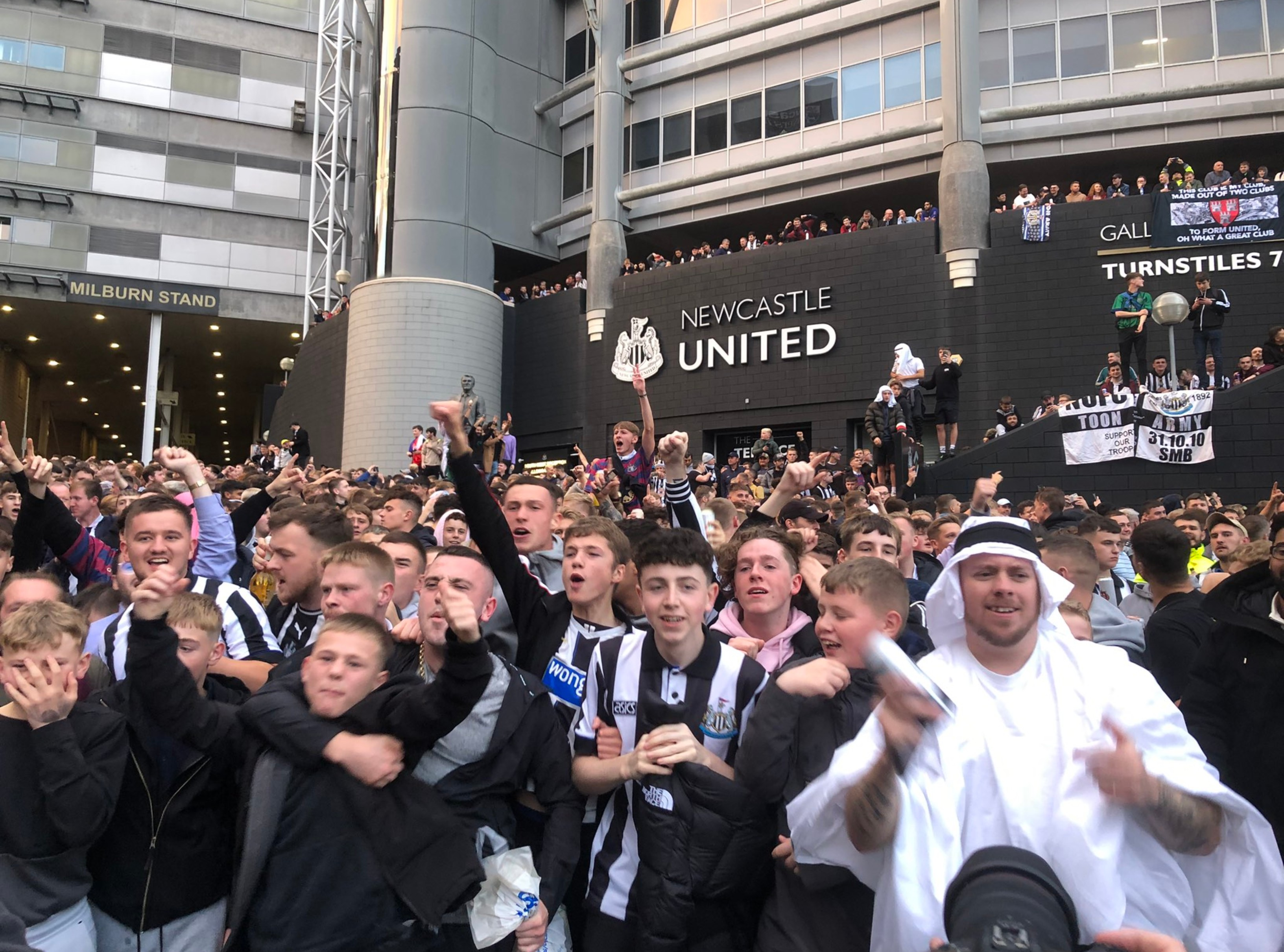 Newcastle United desplaza al Manchester City y su nuevo dueño, un jeque, lo quiere convertir en el equipo más poderoso del mundo – Prensa Libre