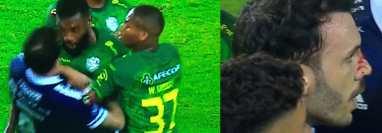 Los jugadores del Orense intentan separar a su compañero Gabriel Achilier (centro) cuando este golpeó con la frente al rival Sebastián Rodríguez (8 de azul). (Foto Prensa Libre: Twitter)