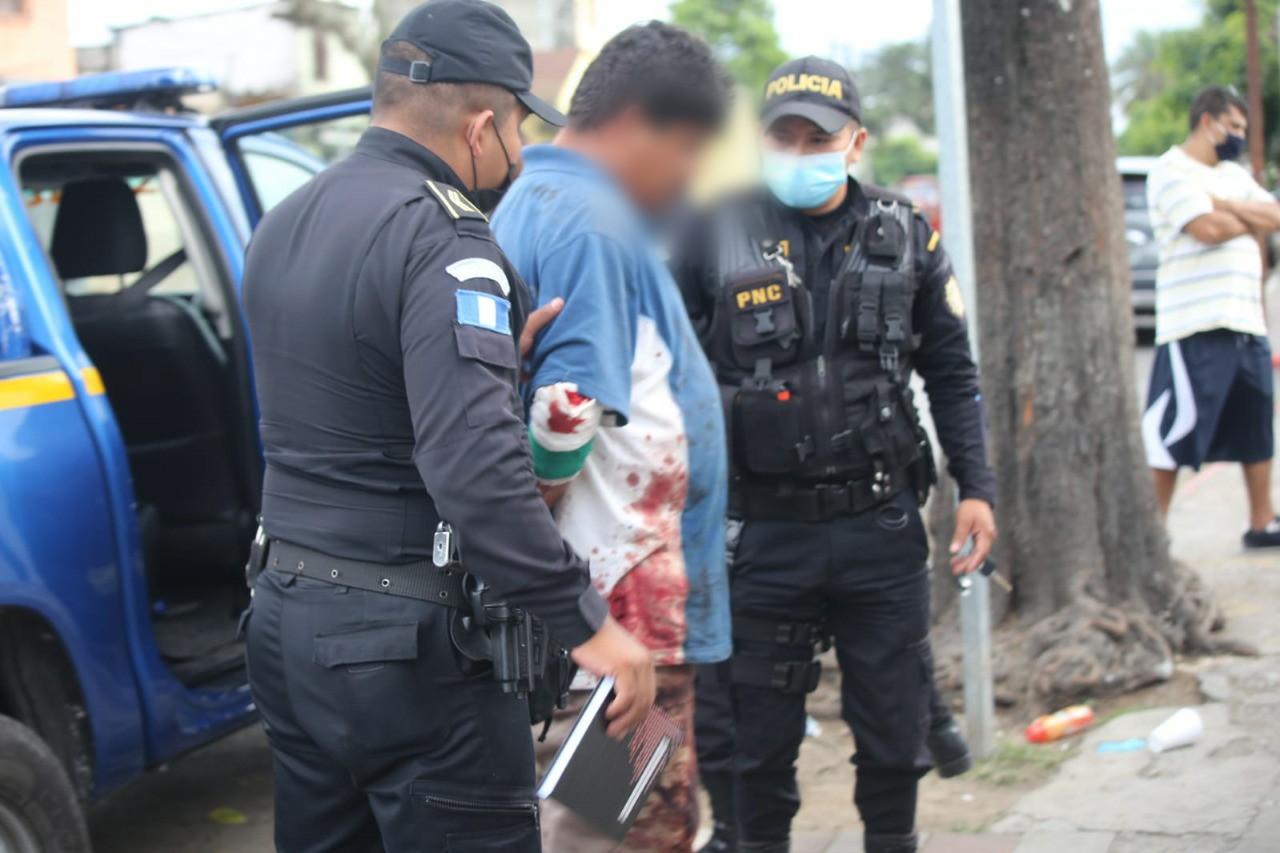 Gvatemalo : Ili kaptas viron akuzitan pri seksperfortado de 79-jaraĝa virino