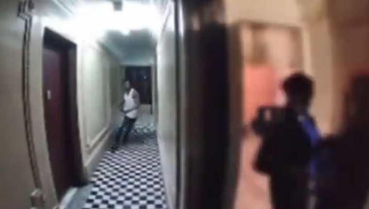 Un hombre persigue a una mujer de 50 años hasta su casa en el Bronx, Nueva York. (Foto Prensa Libre: Twitter)