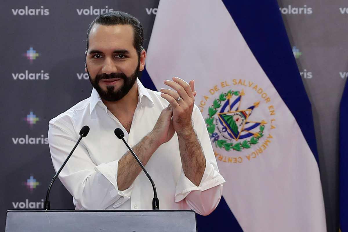 Bitcoin en El Salvador: La aerolínea mexicana Volaris será la primera en aceptar ese método de pago