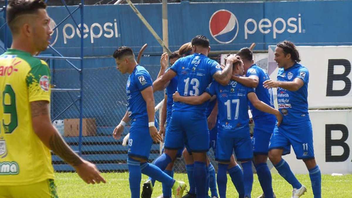 Cobán Imperial no pierde el ritmo ante Nueva Concepción y se mete en zona de clasificación en el Apertura 2021