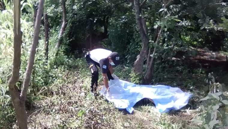 Dos de las mujeres fueron encontradas en lugares remotos y solitarios. (Foto: Bomberos Voluntarios)