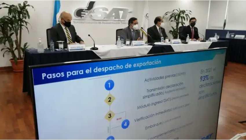 En agosto pasado autoridades de la SAT informaron sobre inconsistencias en operaciones que llevaron a cabo dos grupos de exportadores agrícolas desde el año pasado. (Foto Prensa Libre: Hemeroteca)