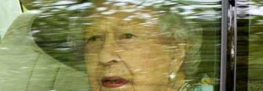 Los médicos de la Reina Isabel II le hicieron una prohibición para resguardar su salud. (Foto Prensa Libre: EFE)