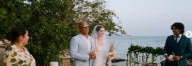 La amistad perdura.  Vin Diesel entrega en el altar a la hija de Paul Walker en su boda.  (Foto Prensa Libre: Instagrama Meadow Walker)